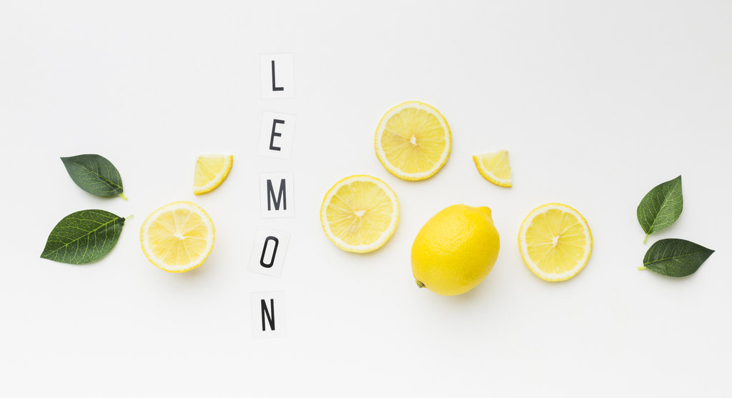 lemon and its slices