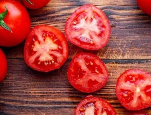 3 Magical Homemade Tomato Face Masks That Treat Acne, Sun Tan & Pigmentation