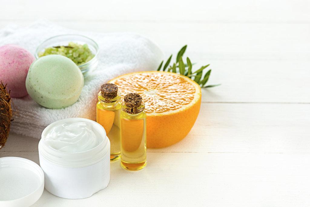 orange and orange essential oil