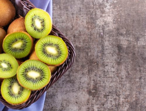 Top 5 Fruitful kiwi Hair Packs For Lustrous & Long Tresses