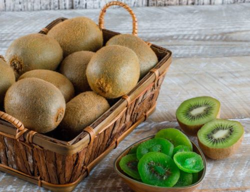 7 Homemade Kiwifruit Face Scrubs & Face Masks That Work Magically On Your Skin