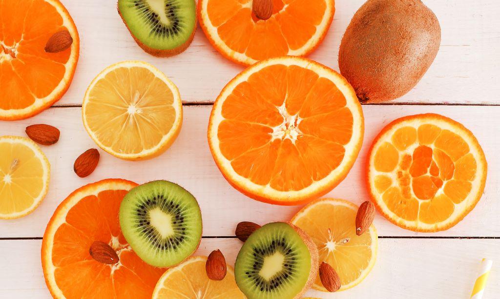 kiwifruit and oranges